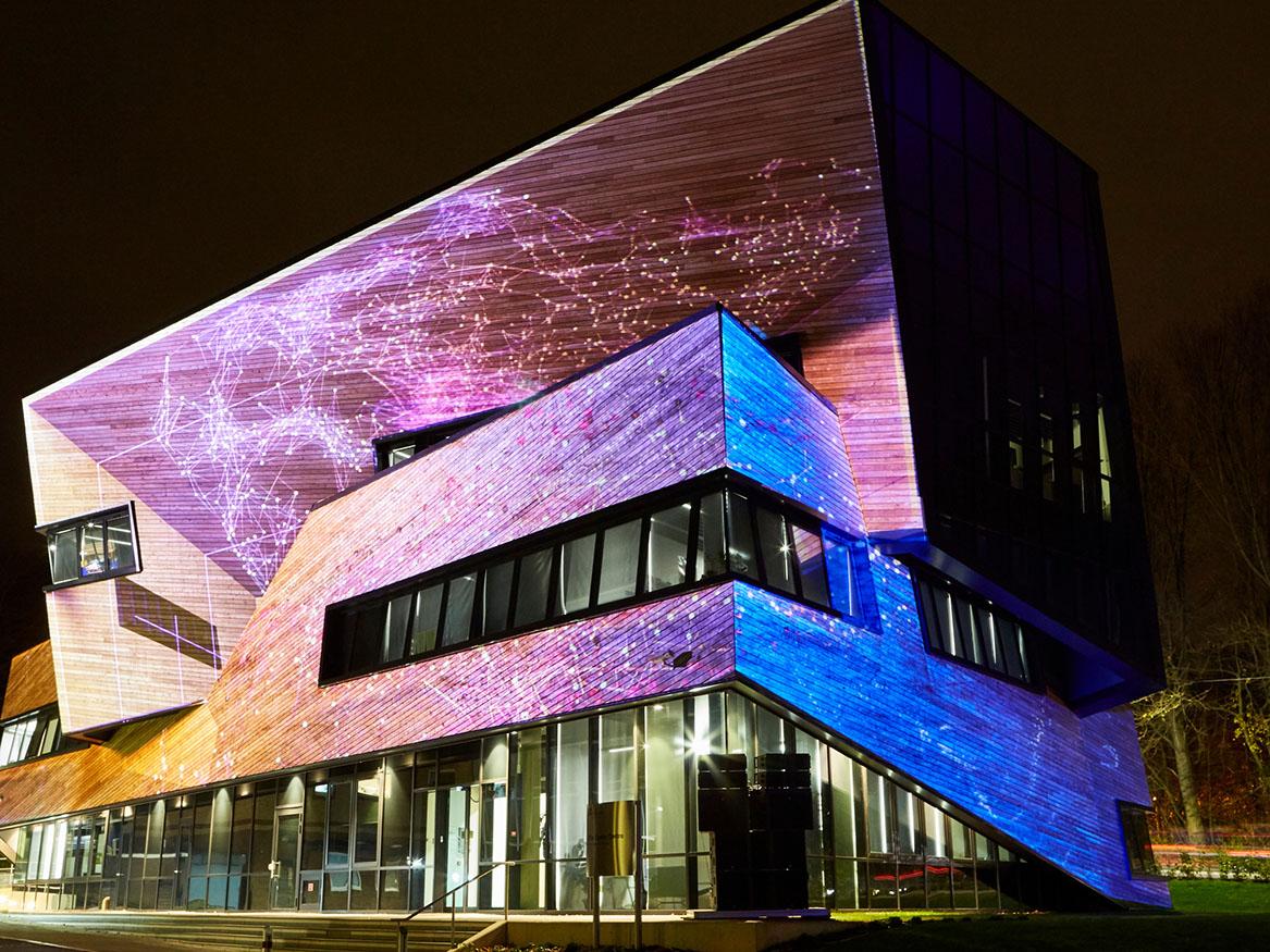 https://www.lumiere-festival.com/content/uploads/2019/10/smallCosmic-Architecture-2000.jpg